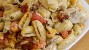 pesto alfredo cavatelli with bacon delivery in des moines iowa