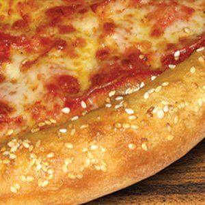 tasty sesame seed pizza crust in des moines iowa and kansas city missouri
